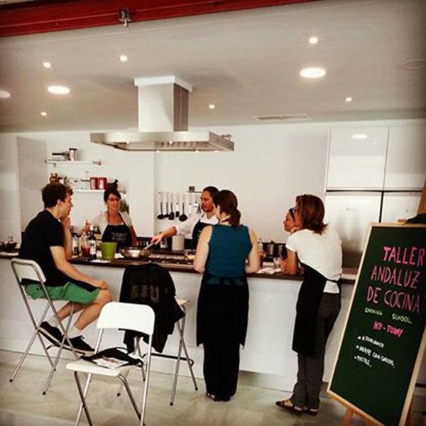 taller andaluz de cocina con paso firme